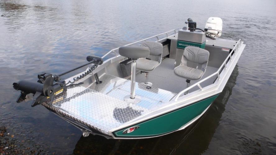 лодка аляска бот
